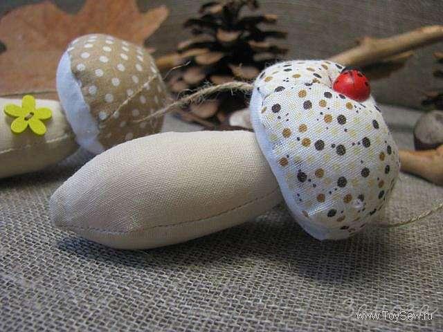 Как сшить мягкий гриб из ткани