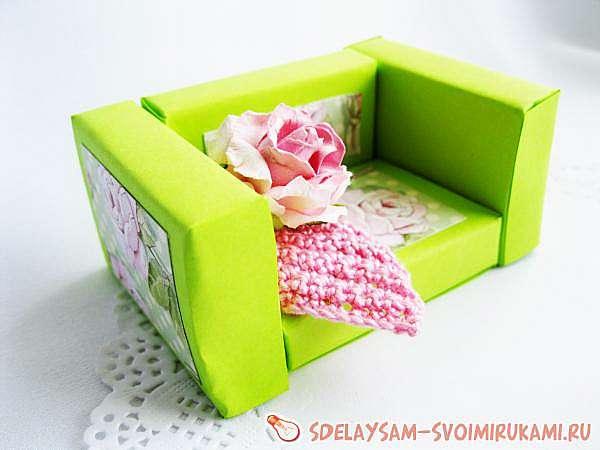 Кресло из спичечных коробков