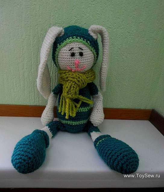 Заяц амигуруми с длинными ушами