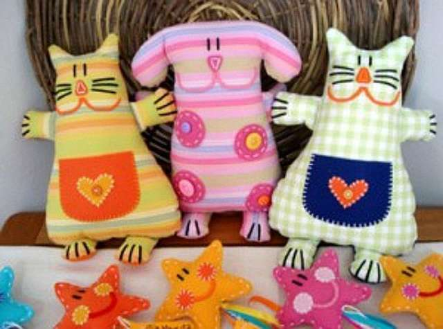 Простые игрушки из ткани своими руками