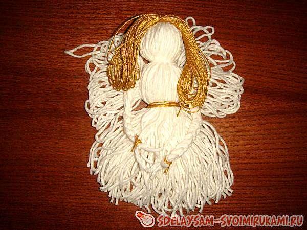 Ангелок в шаре из нитей