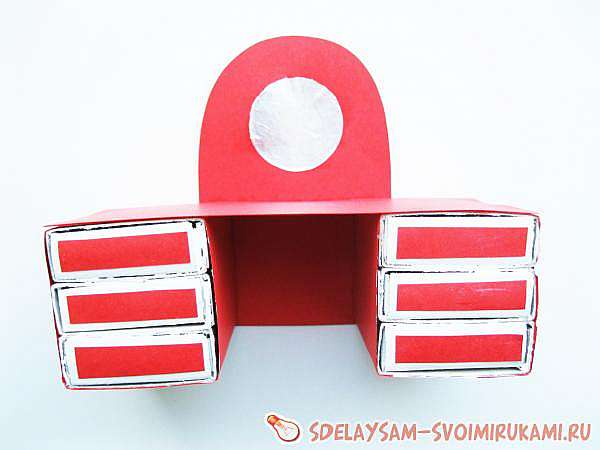 Туалетный столик из спичечных коробков