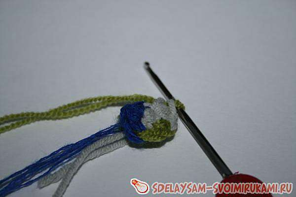 Необычные вязаные сережки