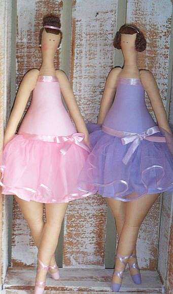 Идеи одежды для куклы тильды