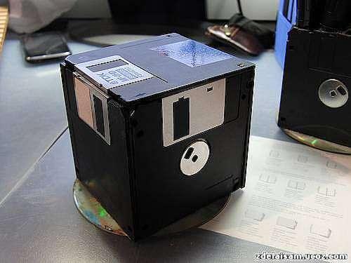 Поделки из дискет