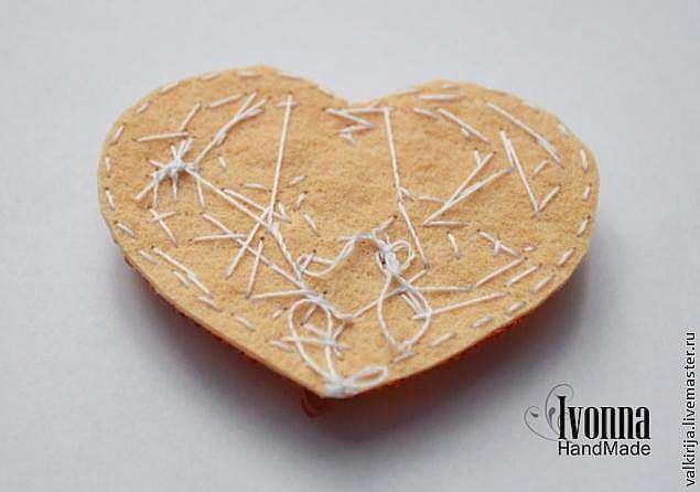 Золотое сердце - Брошь для душевного тепла