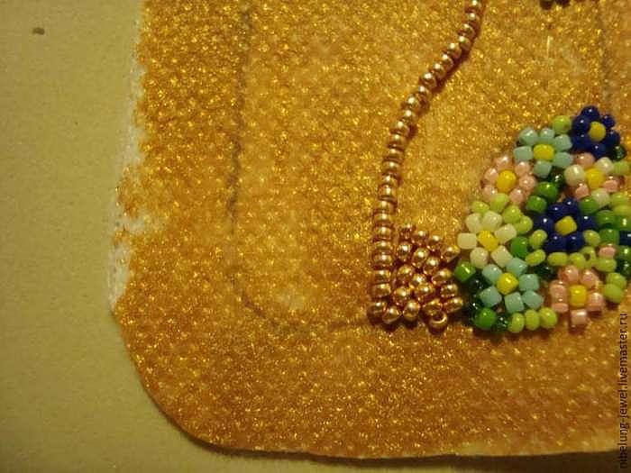 Вышиваем бисером серьги по мотивам картины Климта «Поцелуй»