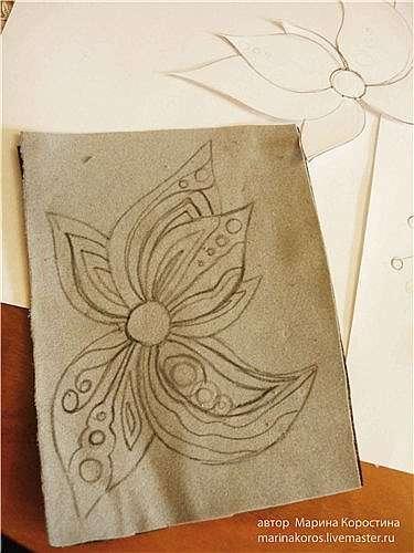 Вышитый бисером цветок колье Весенная Рапсодия