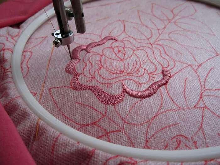 Осваиваем вышивку на простой швейной машинке