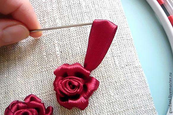 Роза.Вышивка лентами.