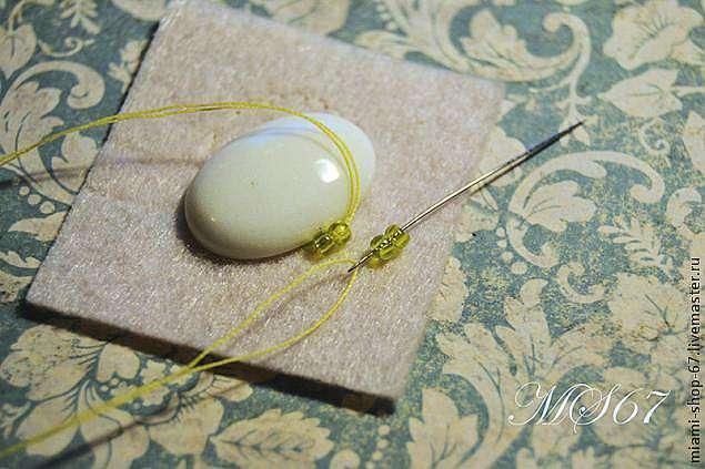 Вышивка бисером. Урок №2. Как обшить кабошон бисером, гобеленовое плетение.