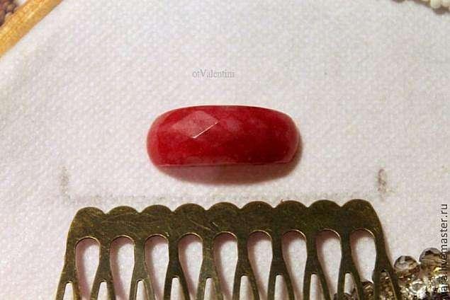 """Гребень """"Бордовый"""" в технике вышивки"""