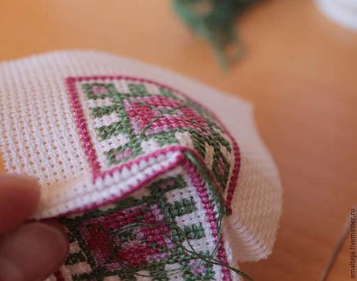 Вышиваем оберег-бискорню «Репейник»