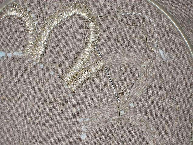 Прорезная вышивка льняного передника