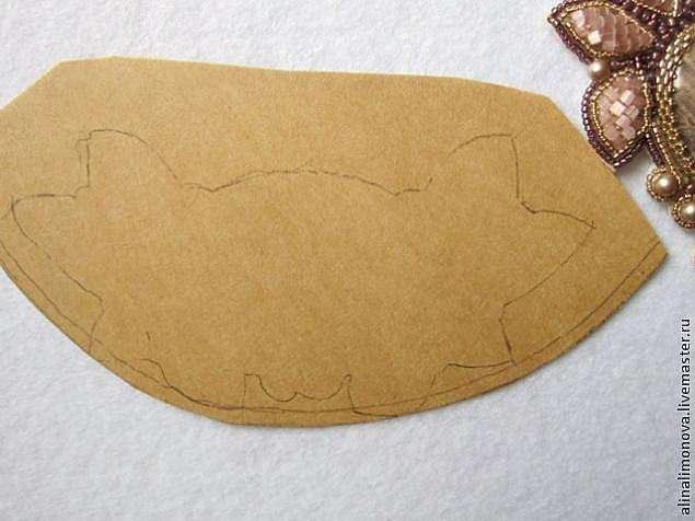Создание кулона с использованием объемной вышивки
