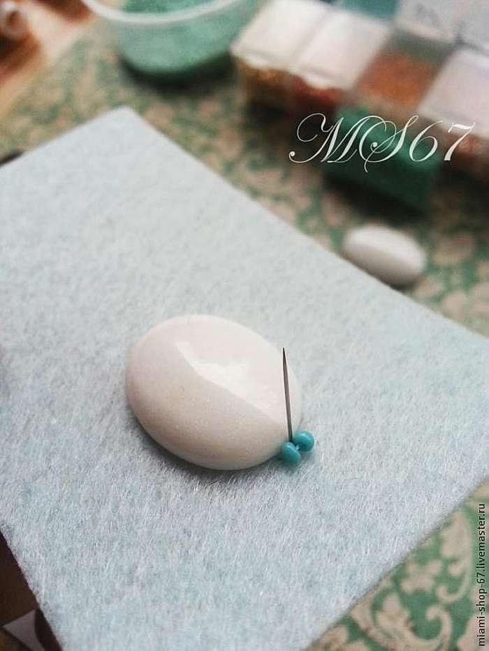 Вышивка бисером. Урок №1. Как обшить бисером кабошон, мозаичное плетение.