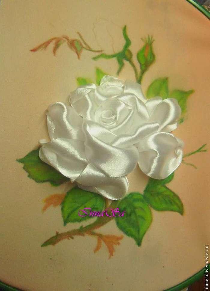 Вышиваем розу лентами