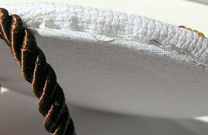 Оформление вышивки. Идея для детской