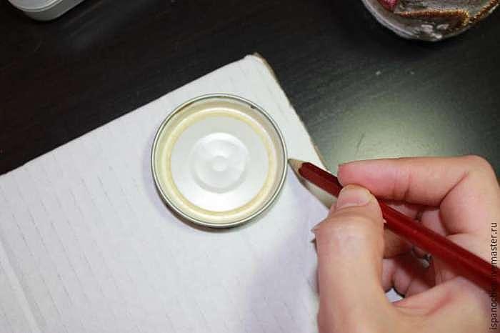 Как сделать милую игольницу-баночку с вышивкой