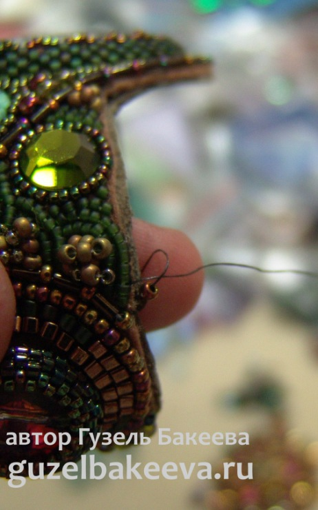 Вышитый бисером браслет Питон
