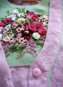 Вышивка лентами на одежде и готовых изделиях