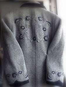 Украшаем пальто декоративной вышивкой