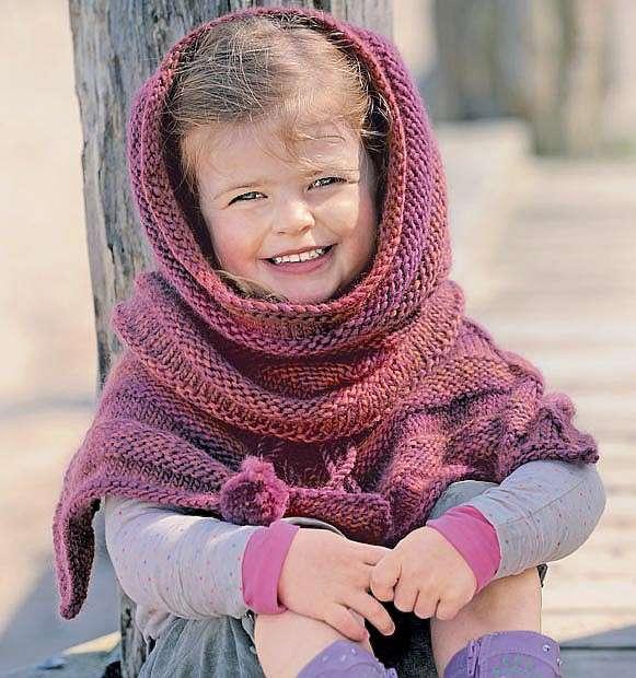 Детский комплект из пончо и снуда