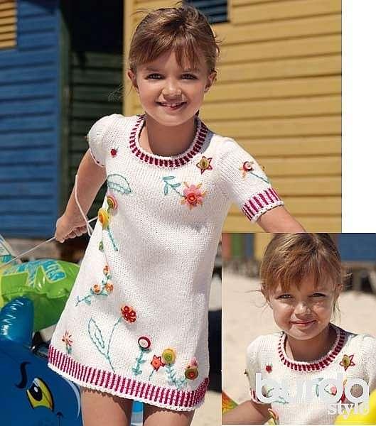 Платье с вышивкой для девочки