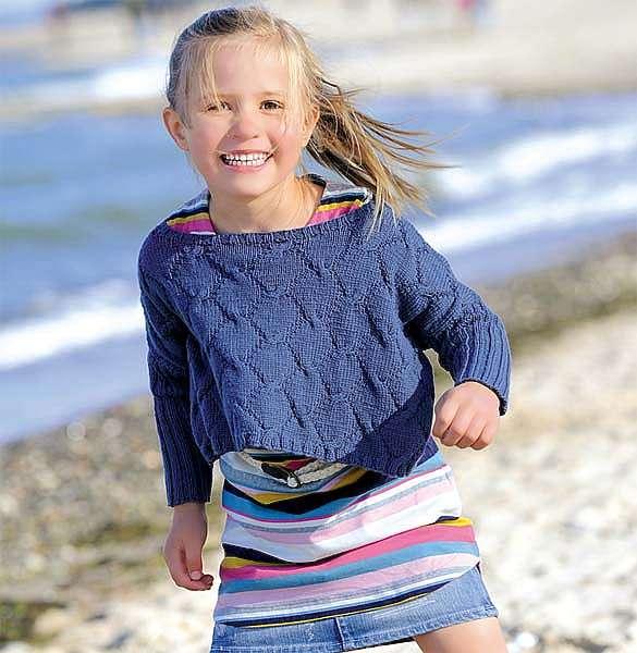 Укороченный пуловер для девочки