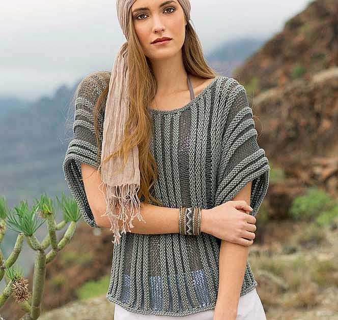Пуловер в полоску, связанный поперек