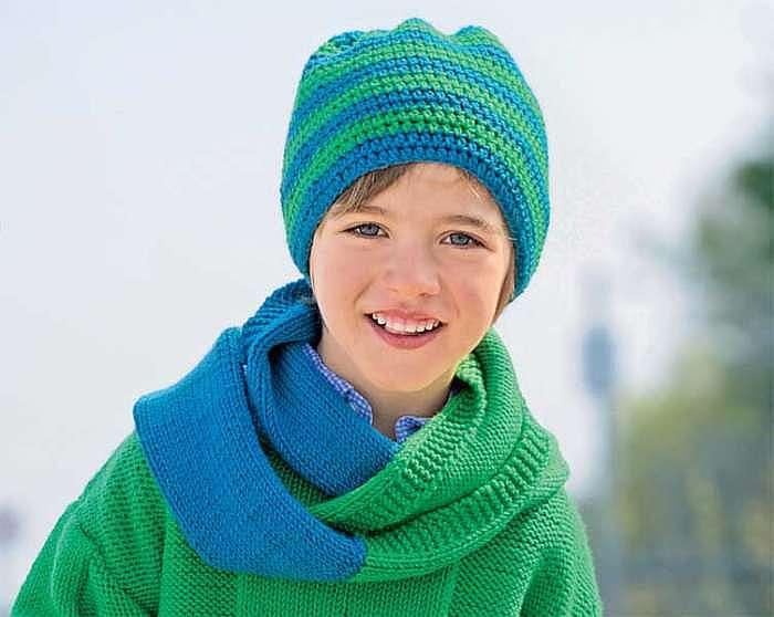 Сине-зеленая шапка