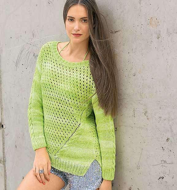 Пуловер с наклонными «косами»