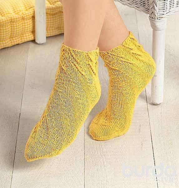 Носки с ажурным узором