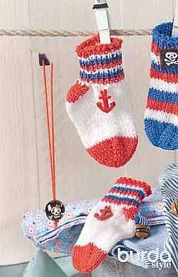 Носки с декоративными пуговицами