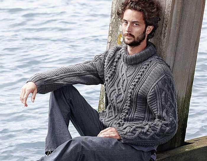 Мужской свитер с косами