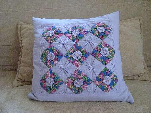 Подушка с элементами оригами