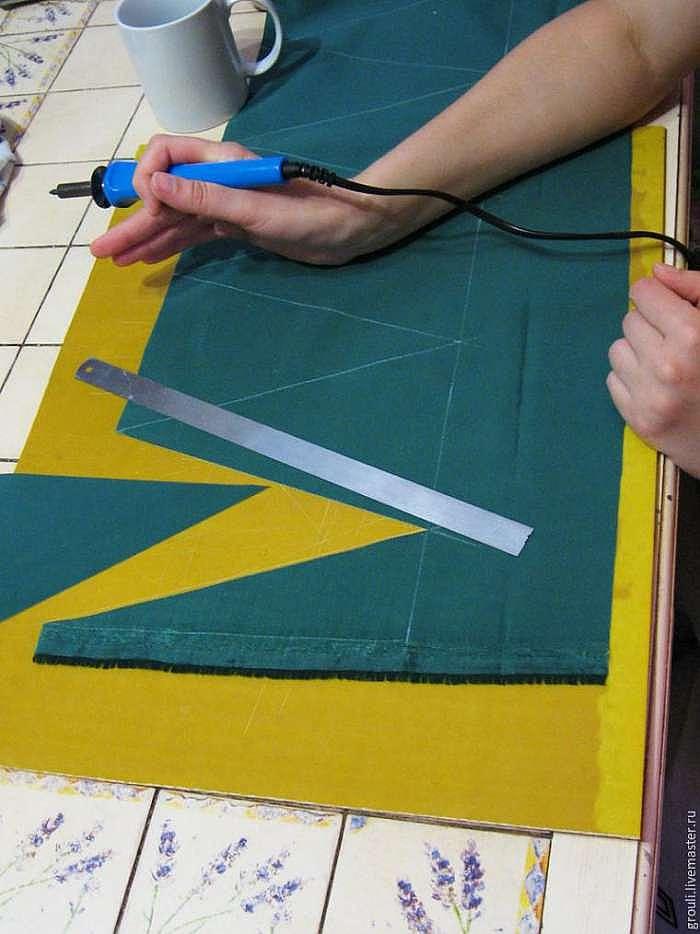 Делаем «ленивые» флажки из ткани