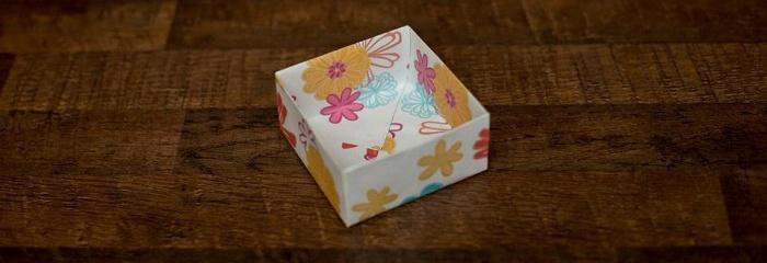 Готовая коробочка из бумаги