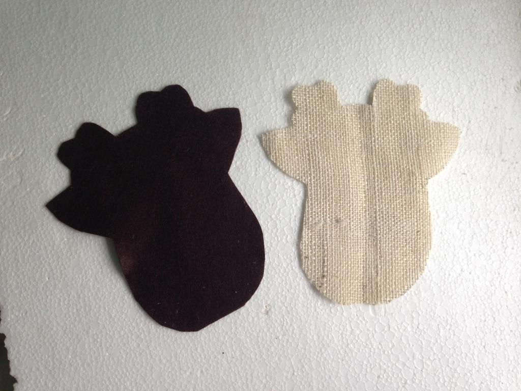 Венок из оленей из остатков ткани