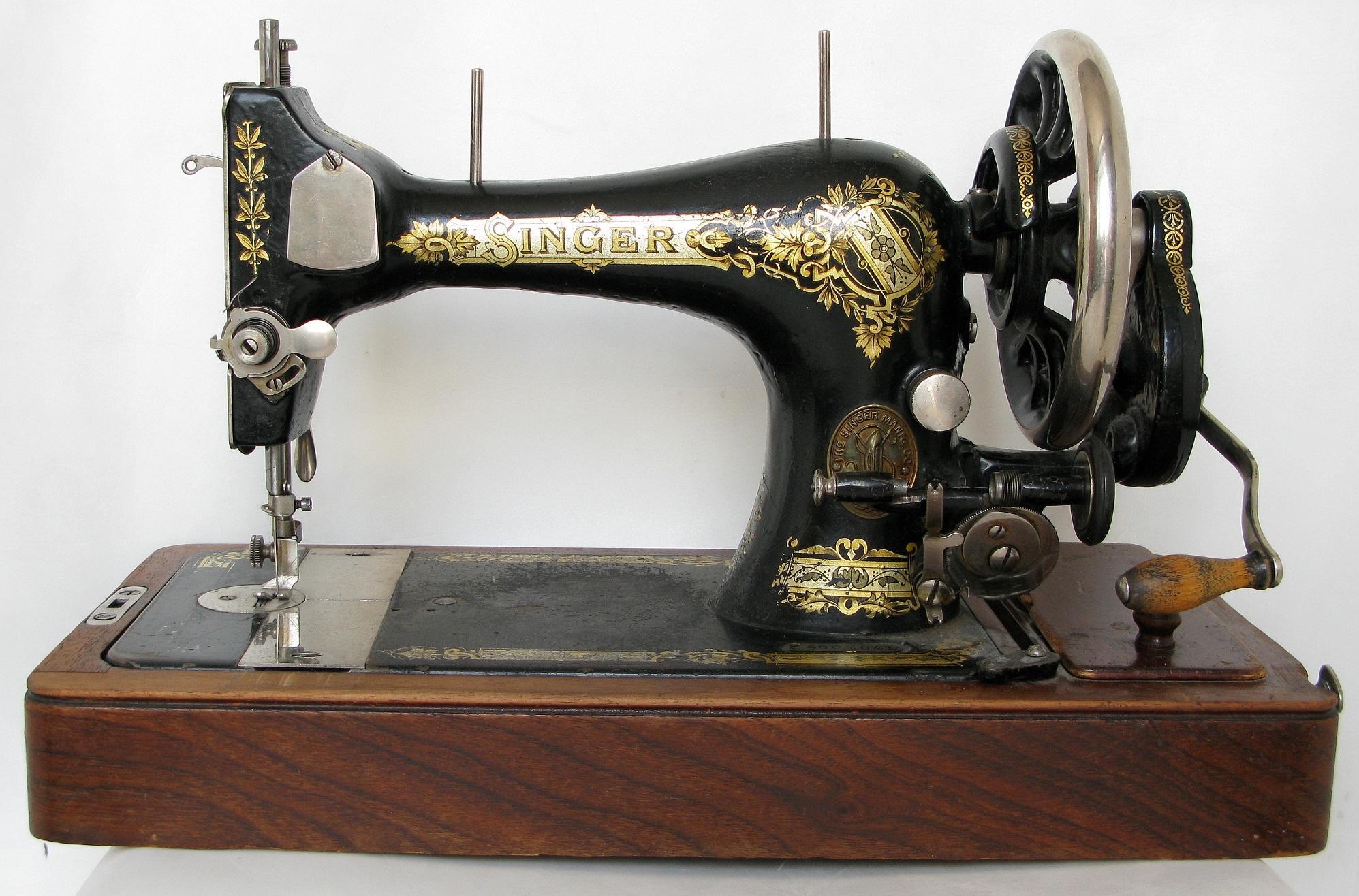 История новых швейных машин