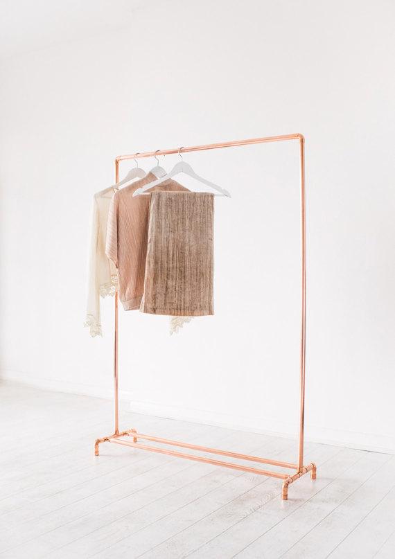 Резьба для одежды из медной трубы по малоразмерным интерьерам