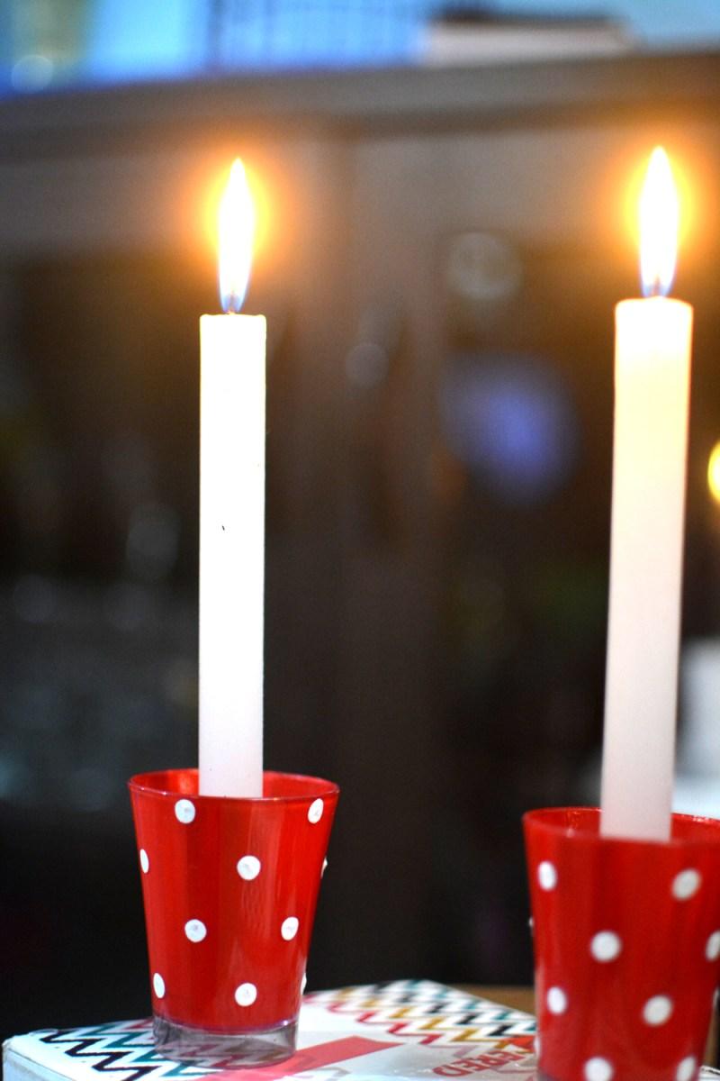 DIY Призрачный держатель для свечей, идеи свечей пришествия, приставка для свечей , рождественский свечной держатель, переработанный стеклянный стакан, стеклянный стакан, держатель свечи, декор свечи для свечи, идеи свечи пришествия, идея венок для приключений, рождественский декор, свеча, кулон свечи, свеча для рождества, рождественское вдохновение, рождественский дий, данные-Recalc затемняется