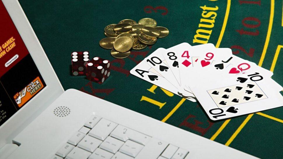 Почему люди играют в казино