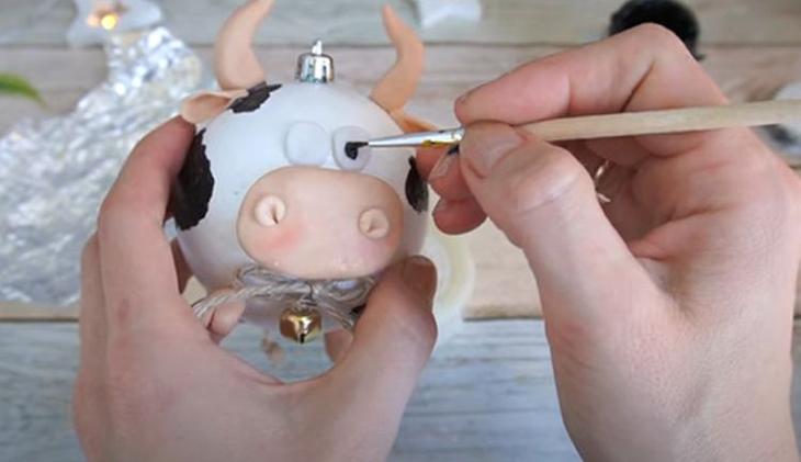 Мастер-класс по изготовлению елочной игрушки-бычка