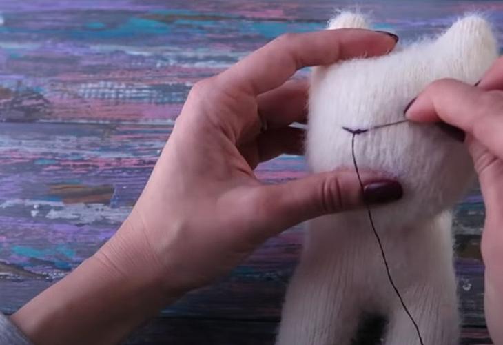 Мастер-класс по пошиву котенка из махровых носков