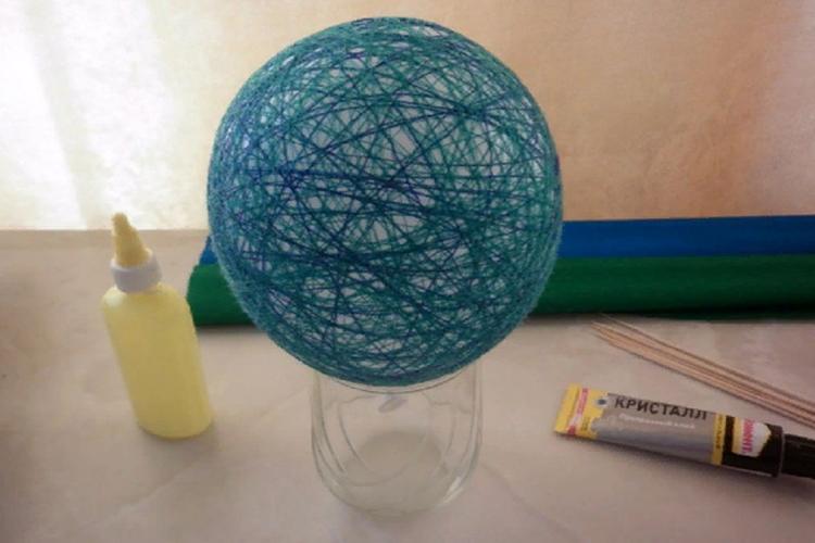 Глобус в технике «Паутинка»