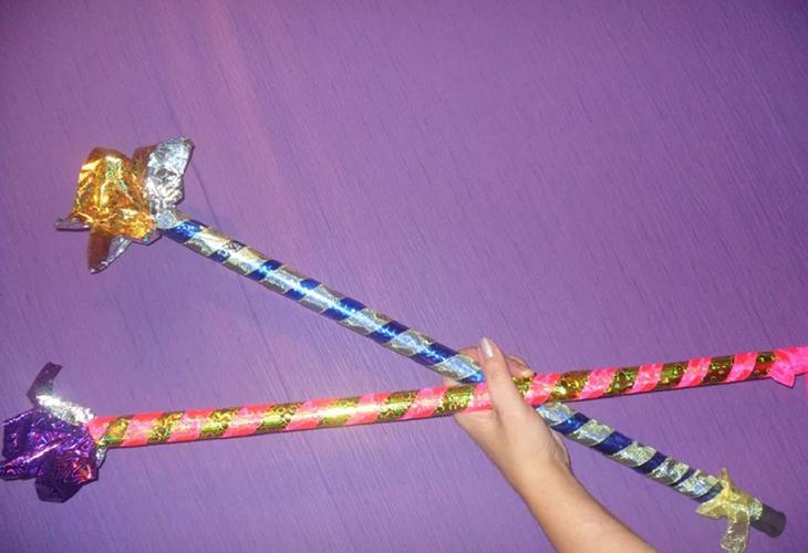 Оформляем палку для пиньяты