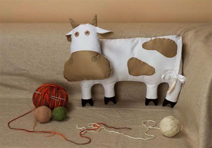 Корова из ткани