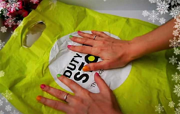 Изготовление ёлки из пакетов