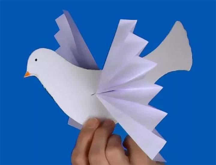 Бумажная голубка